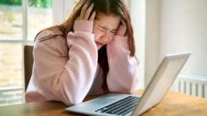 Read more about the article How to combat cyber bullying?