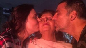 Read more about the article Akshay Kumar Loses His Mother Aruna Bhatia, Pens Heartfelt Note