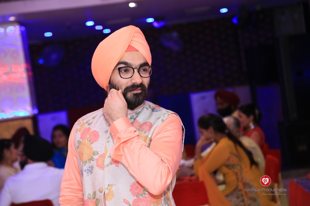 Read more about the article Akshdeep Singh Vohra: The Voice in the song Jalebi Baby